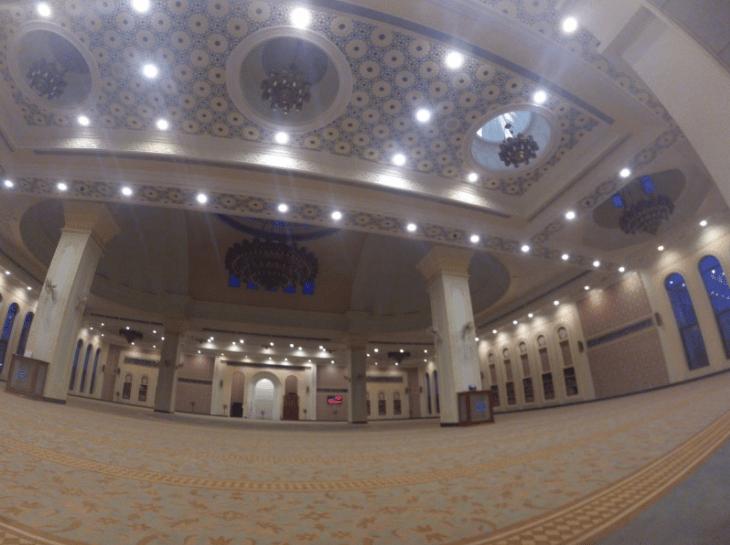 interior masjid al serkal