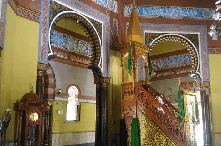 interior masjid azizi