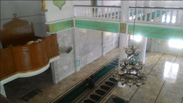 interior masjid baiturrahim