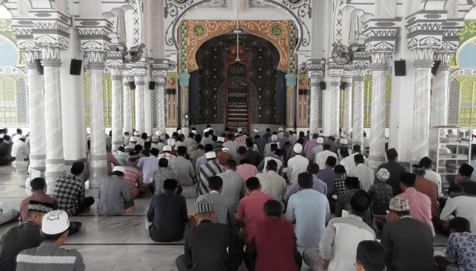 interior masjid bujang