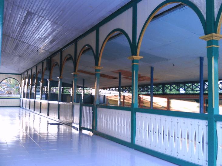 interior masjid bulungan
