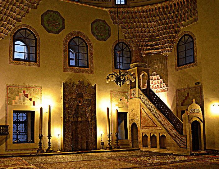 interior masjid gazi husrev