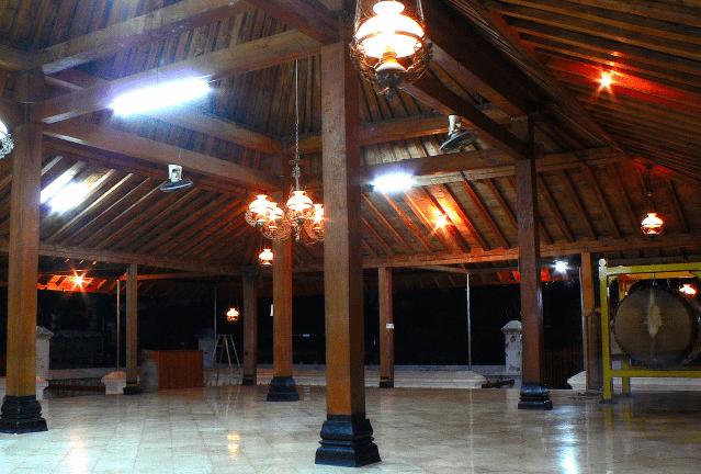 interior masjid kotagede