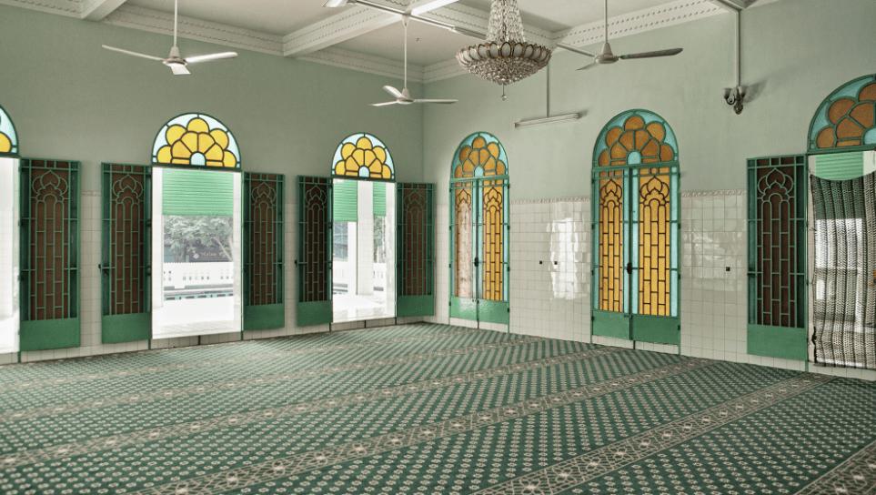 interior masjid ho chi minh