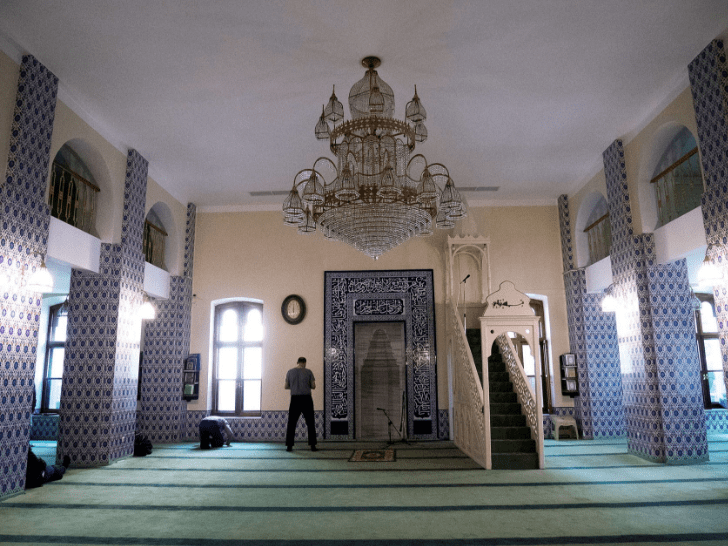 interior masjid memorial moskow