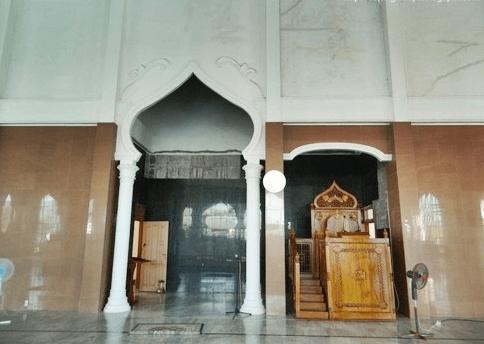 interior masjid rahmatullah.