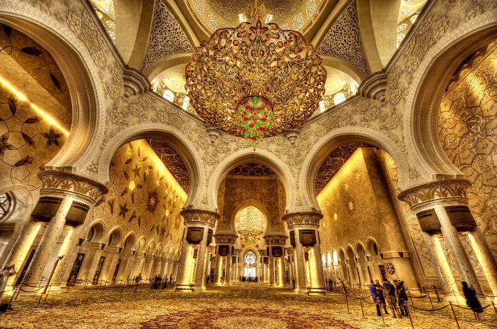 interior masjid sheikh zayed.