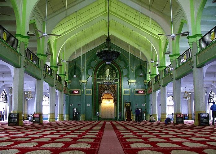 interior masjid sultan singapura
