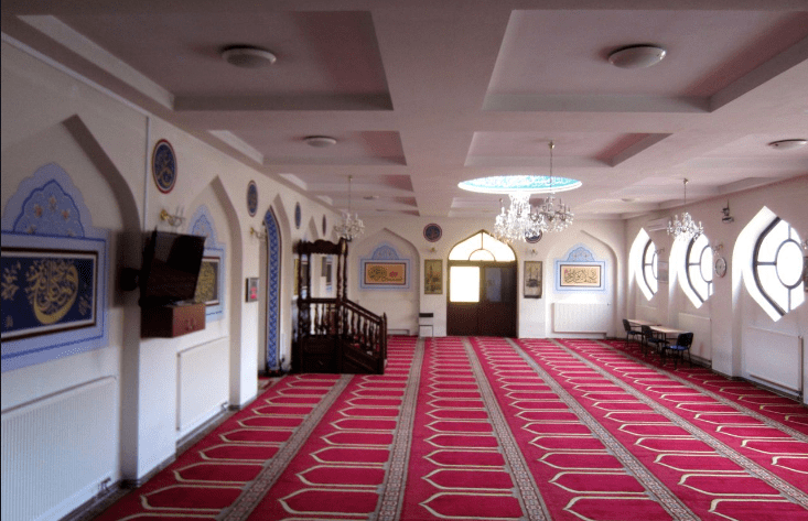 interior masjid warsawa