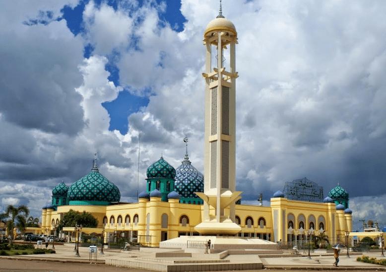 masjid agung al karomah
