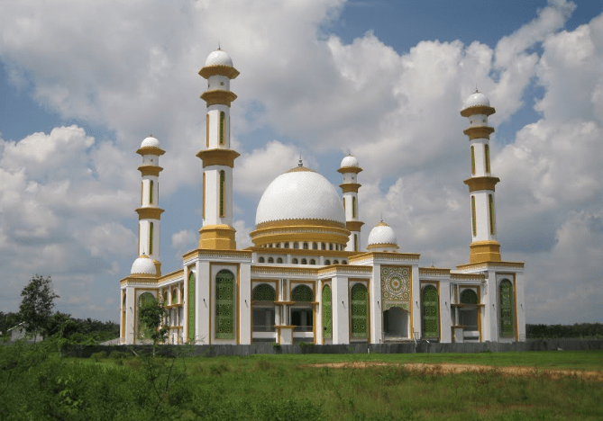 masjid agung ahmad bakrie