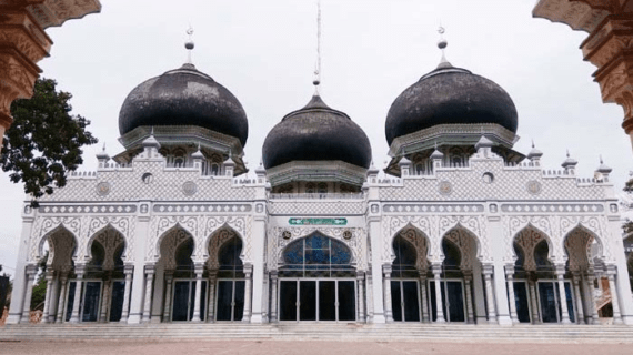 Masjid Besar Bujang Salim – Krueng Geukuh Aceh Utara
