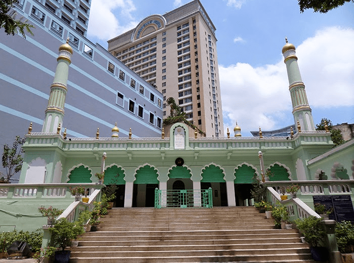 the central mosque ho chi minh city   masjid sentral ho chi minh city vietnam kontraktor