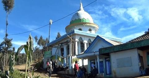 masjid di puncak
