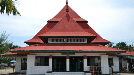 Masjid Jami' Bengkulu – Kenang-Kenangan dari Bung Karo