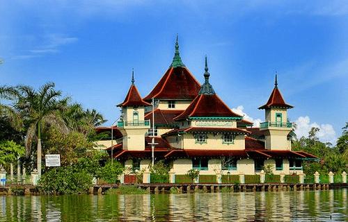 Masjid Jami' Kesultanan Sambas – Kalimantan Barat