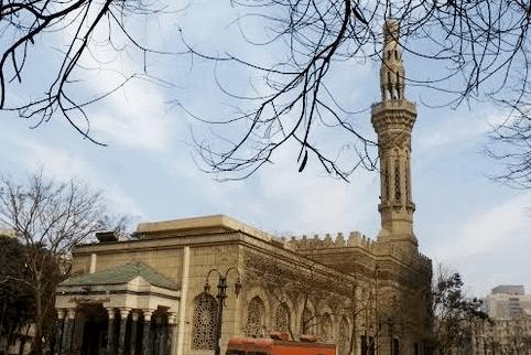 masjid omar makram.