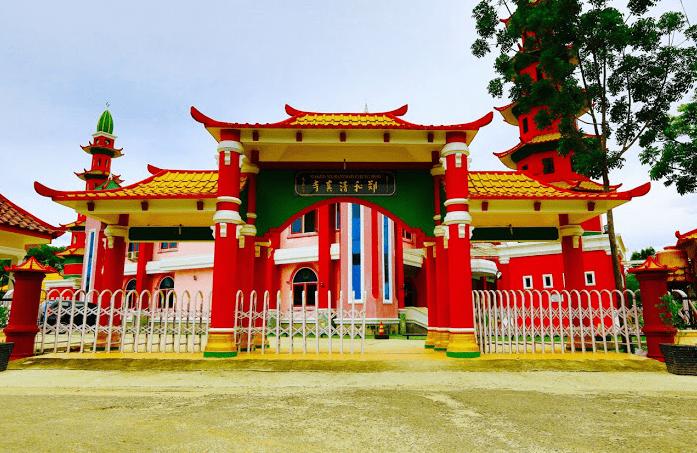 gerbang masjid cheng ho