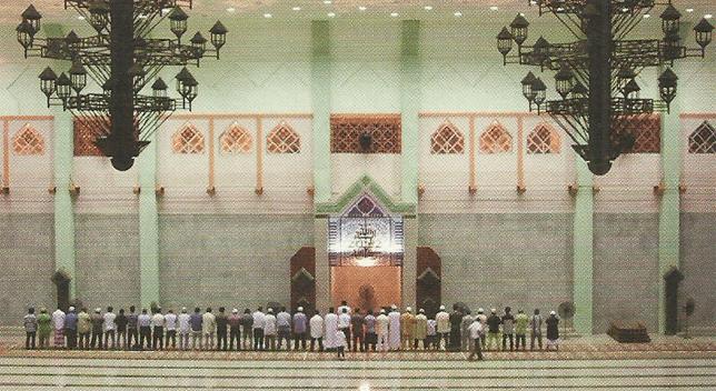 interior masjid raya batam