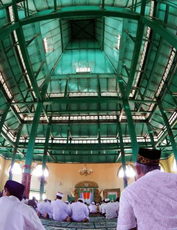 interior masjid sigilamo