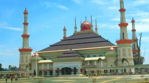 Masjid Raya Al-Bantani, Banten