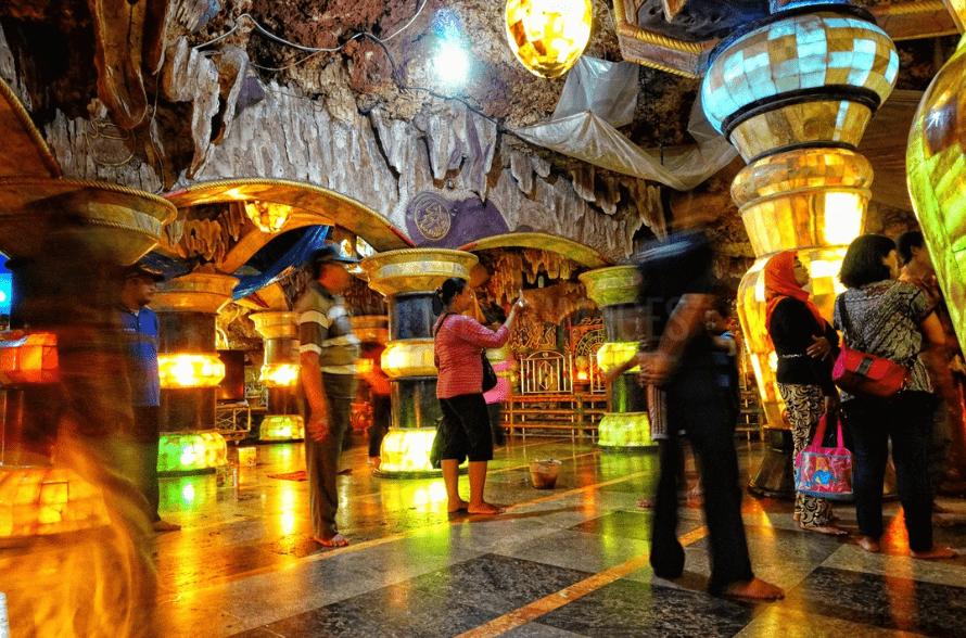 Aschabul Kahfi Perut Bumi Al Maghribi di Tuban