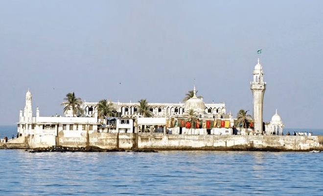Haji Ali Dargah di India