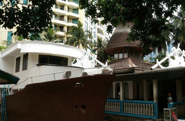 Masjid Perahu Di Sebuah Gang Kecil Casablanca