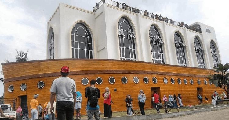 Arsitektur Masjid Kapal Semarang