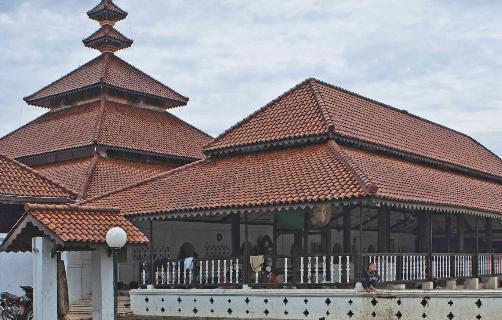5 Masjid di Indonesia dengan Arsitektur Unik