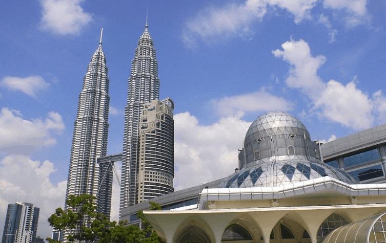 Masjid Asy Syakirin di Kuala Lumpur