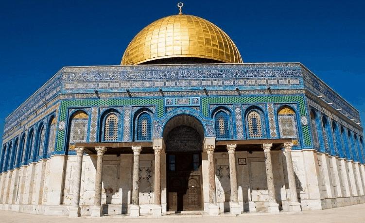 Masjid Kubah Emas di Palestina