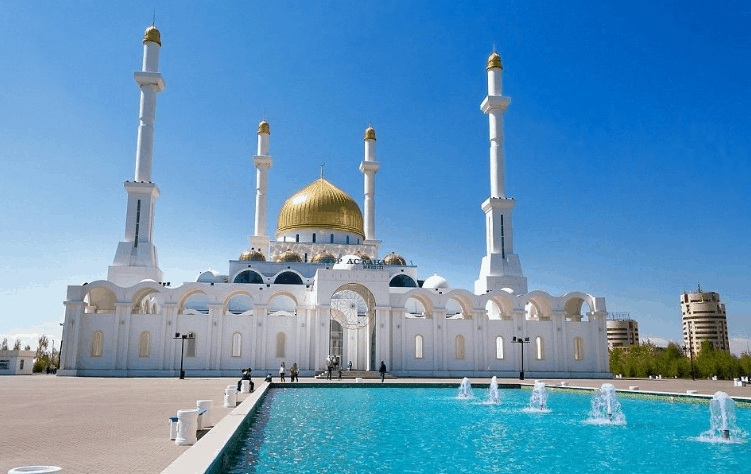Masjid Nur Astana di Kazakhstan