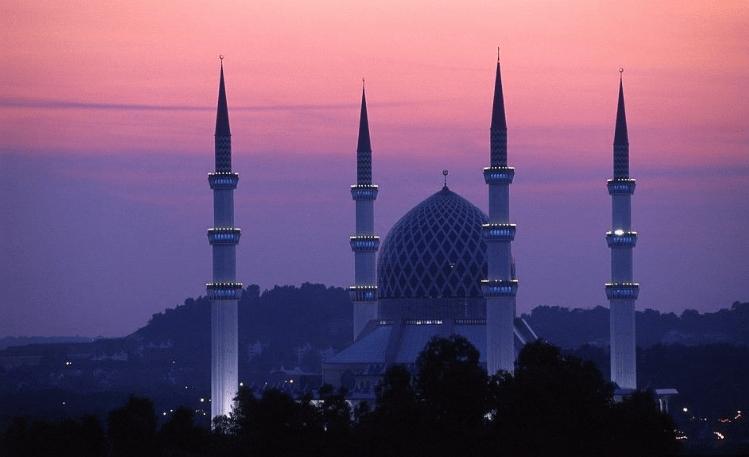 Masjid Sultan Salahudin Abdul Aziz Shah di Malaysia