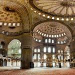 5 Ciri Kemegahan Arsitektur Islami pada Bangunan Masjid