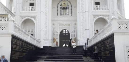 arsitektur masjid ramlie musofa