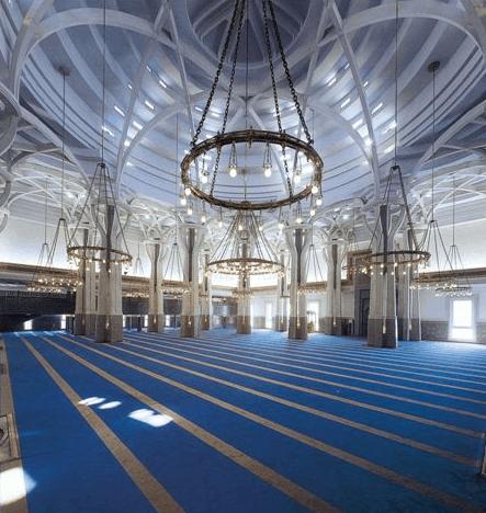 interior masjid roma
