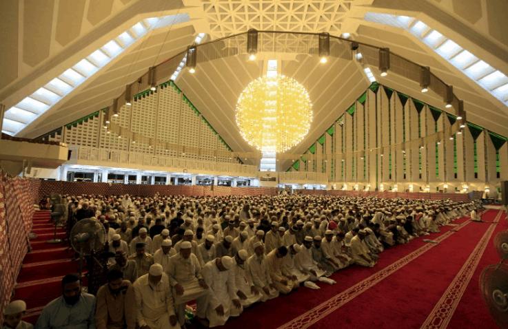 kapasitas Masjid Faisal