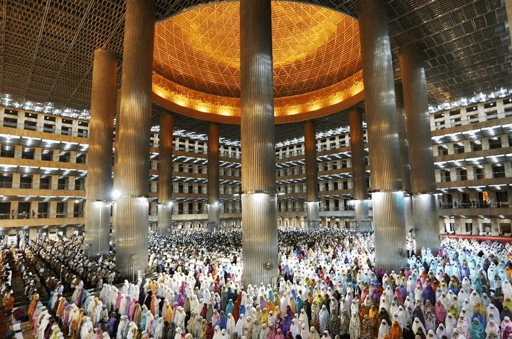 kapasitas Masjid Istiqlal