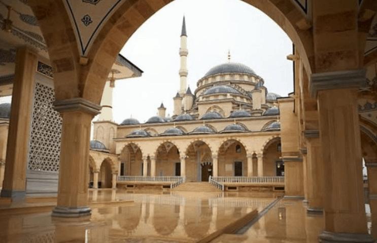 Arsitektur Masjid Ahmad Kadyrov