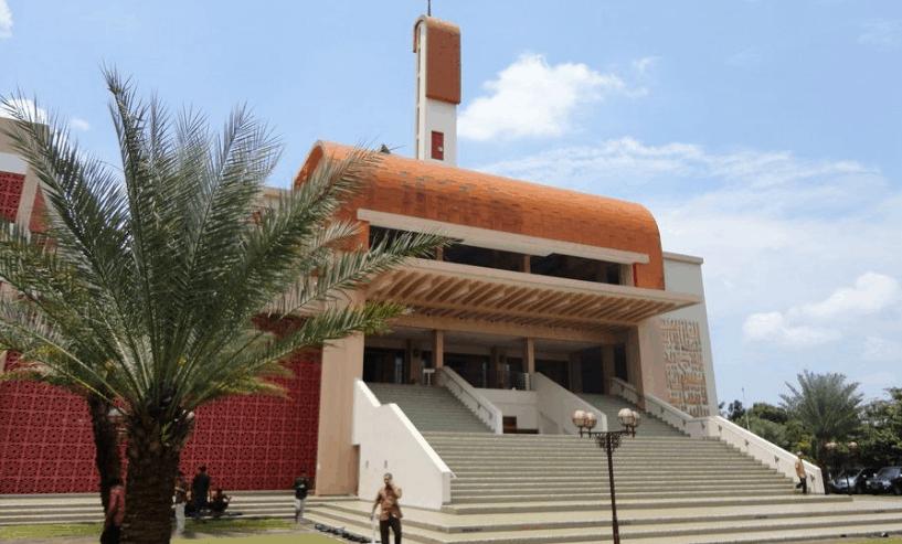 Masjid Raya Bani Umar Tangerang