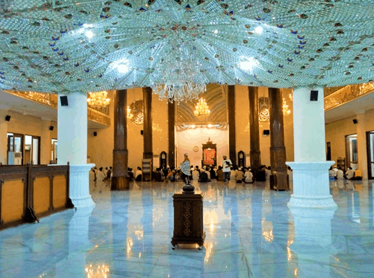 interior Masjid Agung Darussalam Bojonegoro