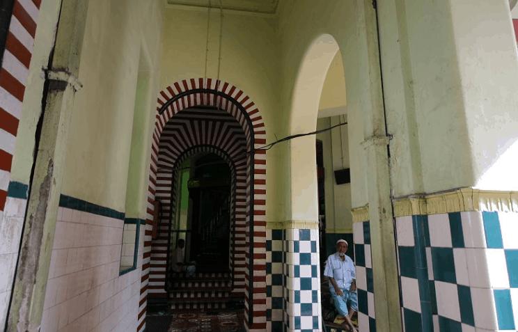 interior masjid jami ul alfar