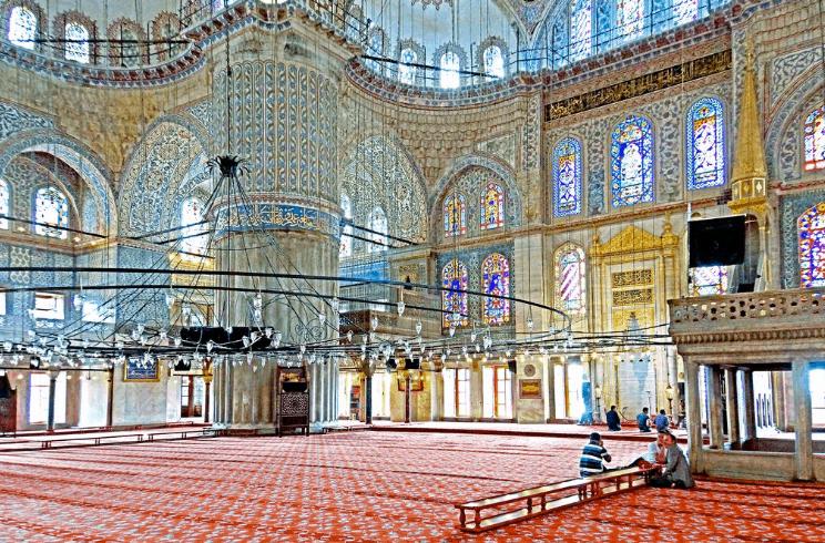 interior masjid sultan ahmed