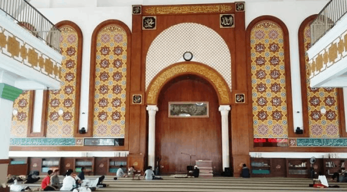 mihrab masjid az zikra