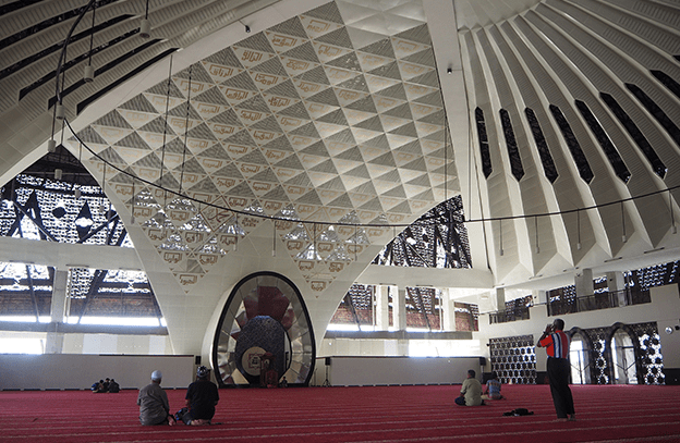 mimbar masjid raya sumbar
