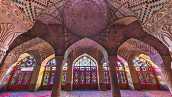 Masjid Pink itu Masjid Nasir Al Mulk