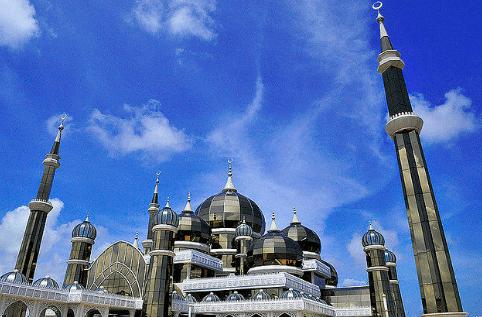 Masjid Kristal yang Memukau di Malaysia