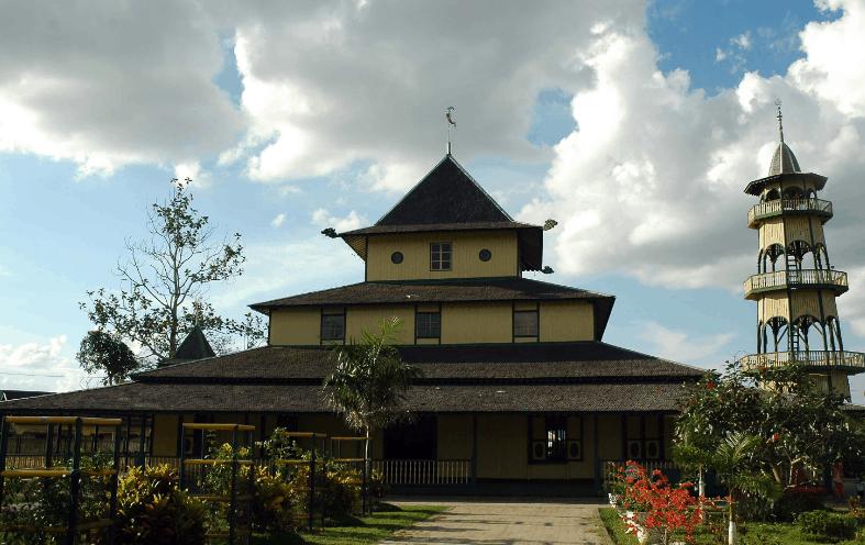 Masjid Shirothal Mustaqim Samarinda1