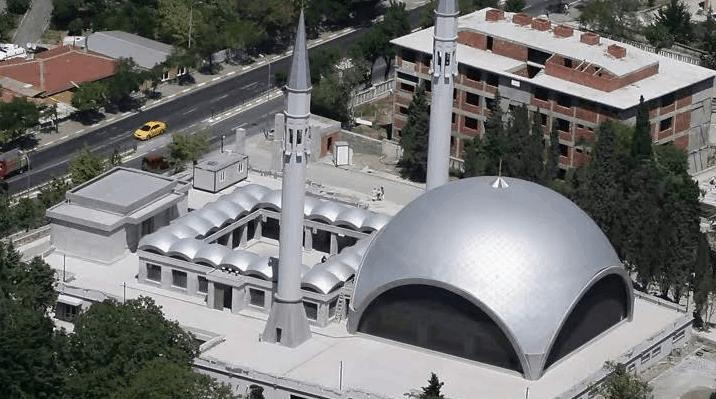 Pesona Masjid Sakirin
